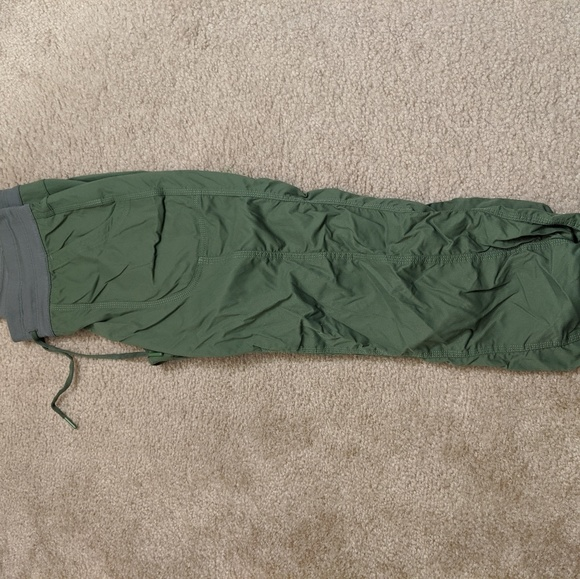 The North Face Pants - The North face Aphrodite green capris